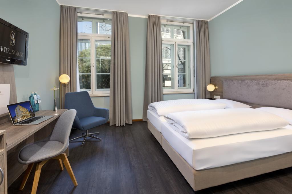Savigny Hotel Frankfurt (2)